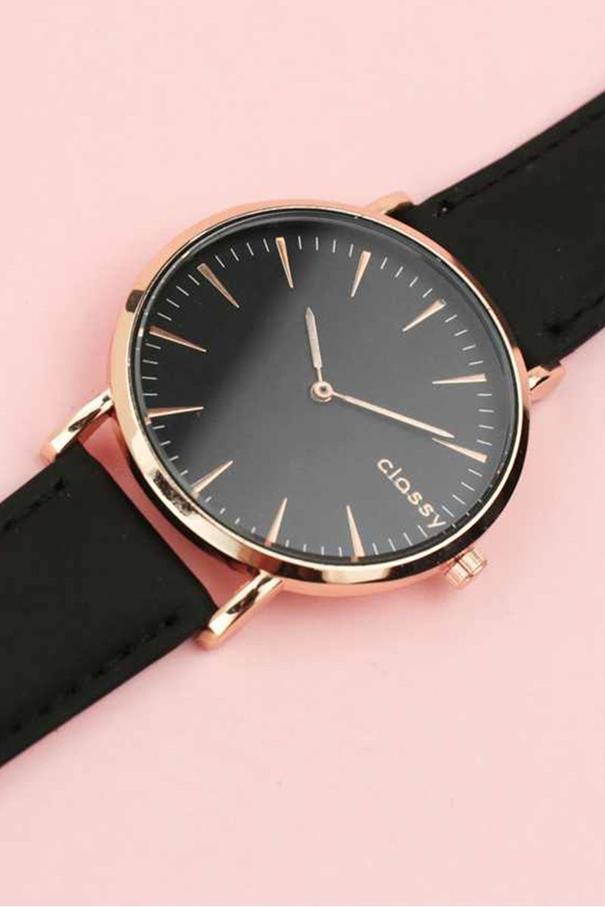 čierne elegantné dámske hodinky
