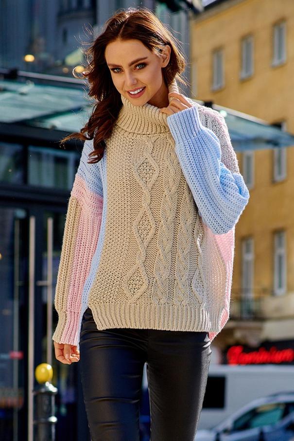 pastelový pulóver