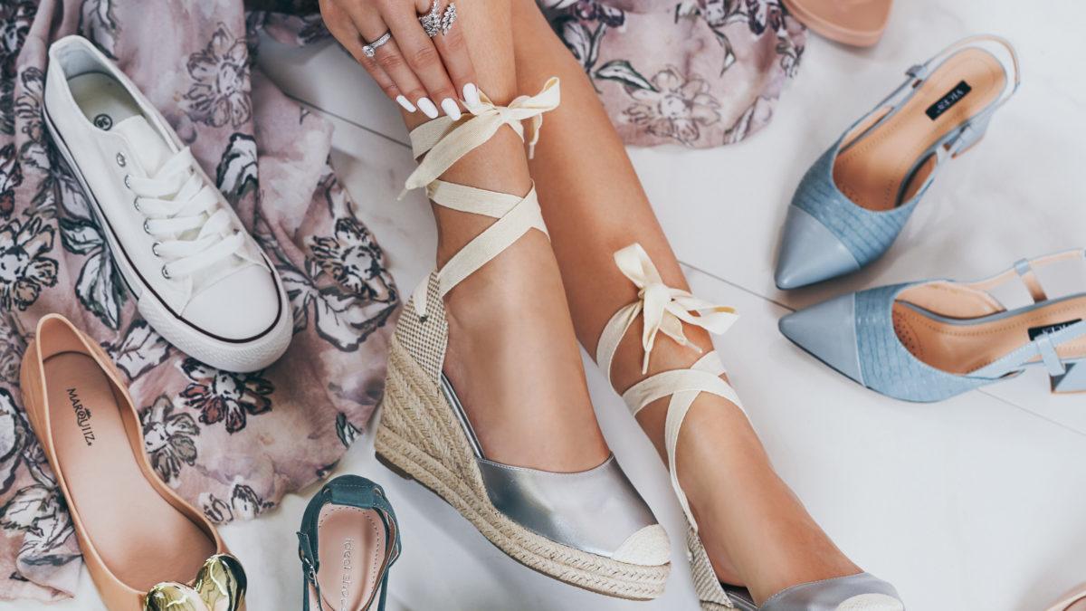 Trend tejto sezóny: Sandále s viazaním!