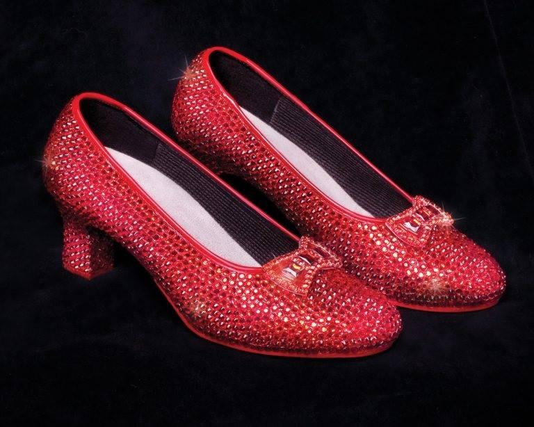 Vzácne lodičky na svete, magické červené lodičky, fantasy topánky, filmové topánky.