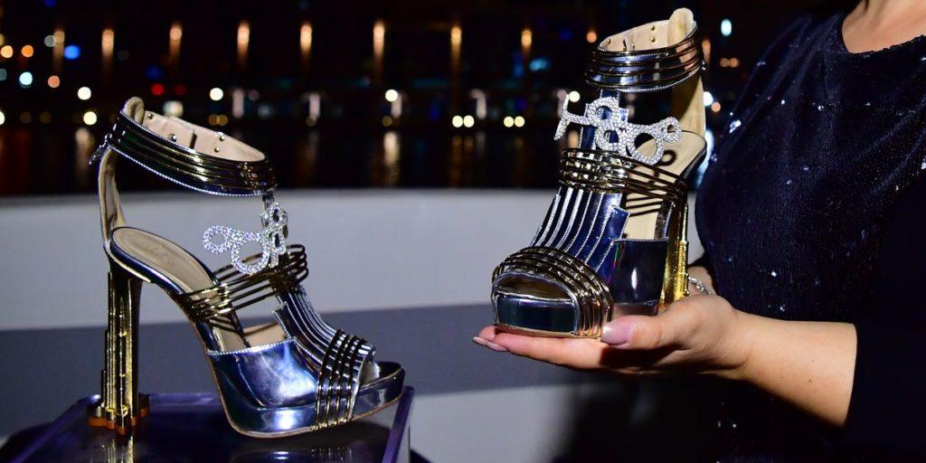 Najdrahšie a najluxusnejšie topánky na svete, Moon star shoes by Antonio Vietri, podľa vzoru Burj Khalifa, posiate diamantami.