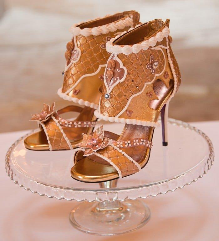 Tretie najdrahšie sandále, Debbie Wingham high heels, originálne, extravagantné, diamantové ihličky.